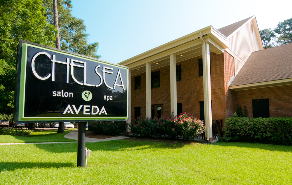 Chelsea Salon and Spa sign